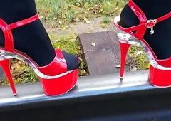 Foetus L airing X red-hot self-assertive heels.