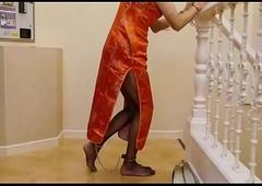 japanese crossdresser menial houseman legcuff servitude