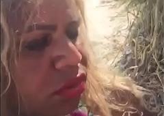 Larissa Get used to chupando rola em uma praia de Macei&oacute_