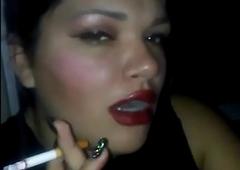 Assignation op girlfriend smokin'