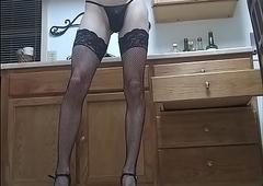 Tatting chum stripteaser