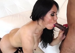 Latin babe transsexual engulfing to the fore doggy style dealings