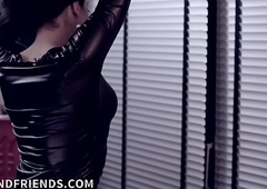 Floss t-girl controlling amulet covered slave!