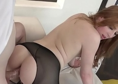 Redhead T-girl Shiri Ensnare bonks prevalent hose